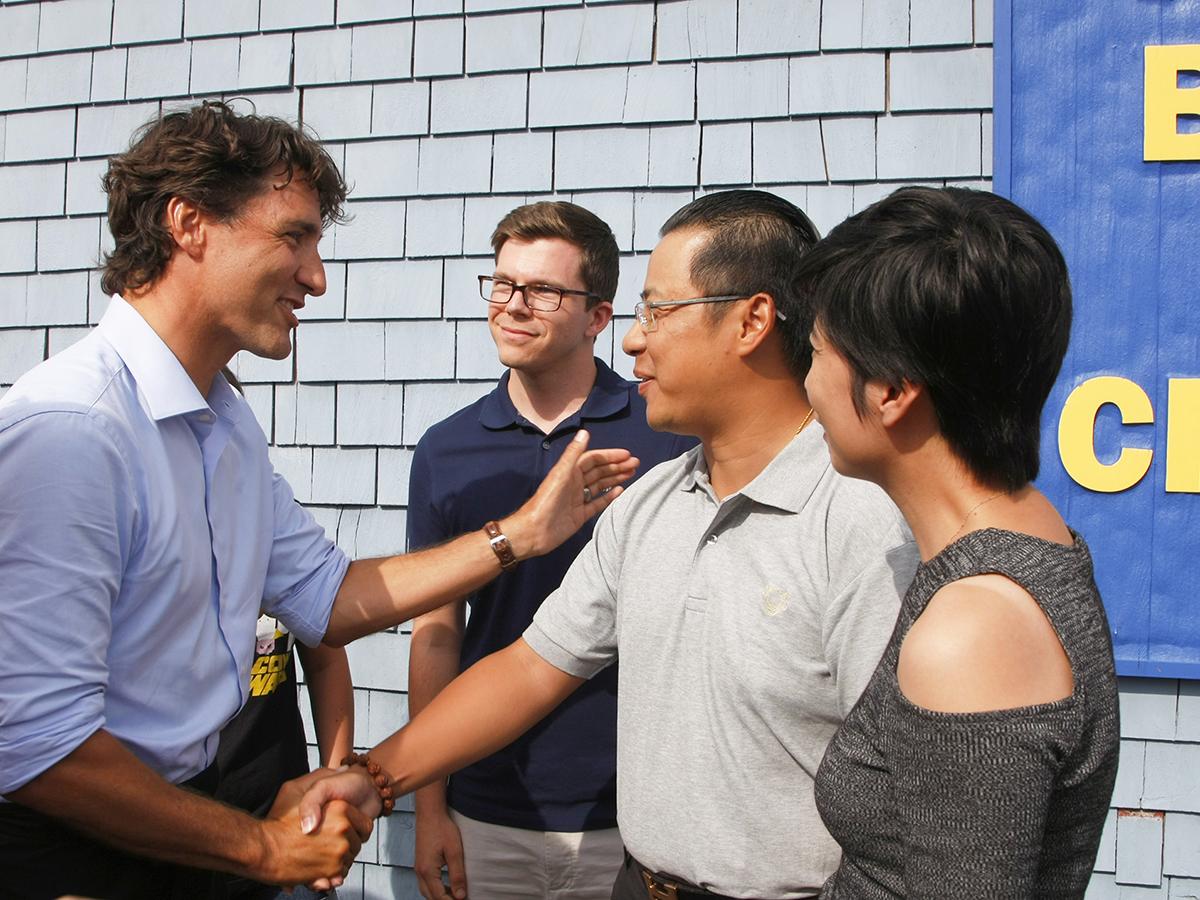 周总和黄总回见特鲁多总理